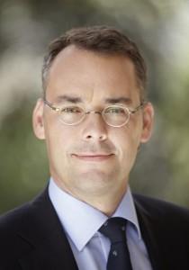 Porträtbild von Minister Peter Friedrich